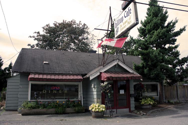 Hilltop Diner's exterior